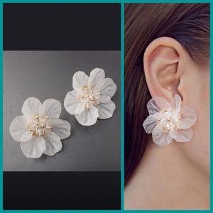 Last! Best seller! Floral white statement earrings